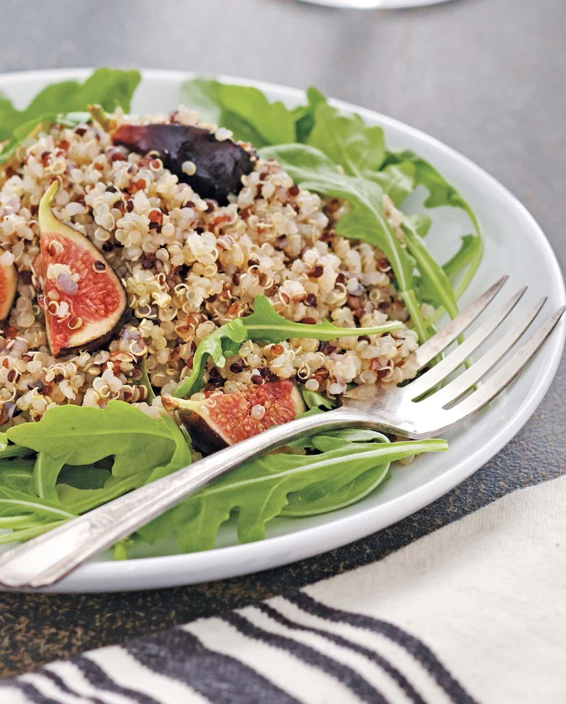 Quinoa, Arugula, and Fig Salad/ Salade de Quinoa, Roquette e Figues