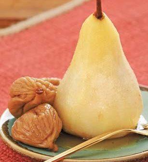 Poached Vanilla–Scented Pears and Figs/ Pere alla vaniglia con ficchi secchi