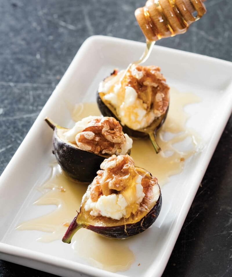 Warm Figs with Goat Cheese and Honey