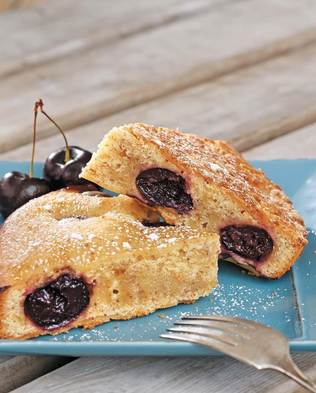 Sweet Olive Oil, Cherry, and Almond Cake/ Torta di ciliegie e mandorle