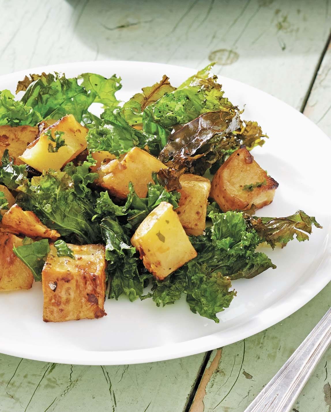 Potatoes with Kale, Garlic, Olive Oil, and Chile Pepper/ Patate con ravizzone, aglio e peperoncino